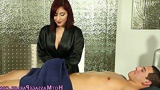 Latina masseuse sucks blowjob