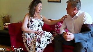 Mature woman enjoys having dirty sex with barely known dude