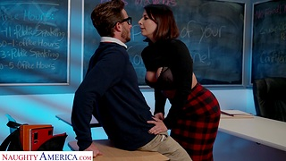 Terrifying cougar Ivy Lebelle in stockings gets fucked slaver deep